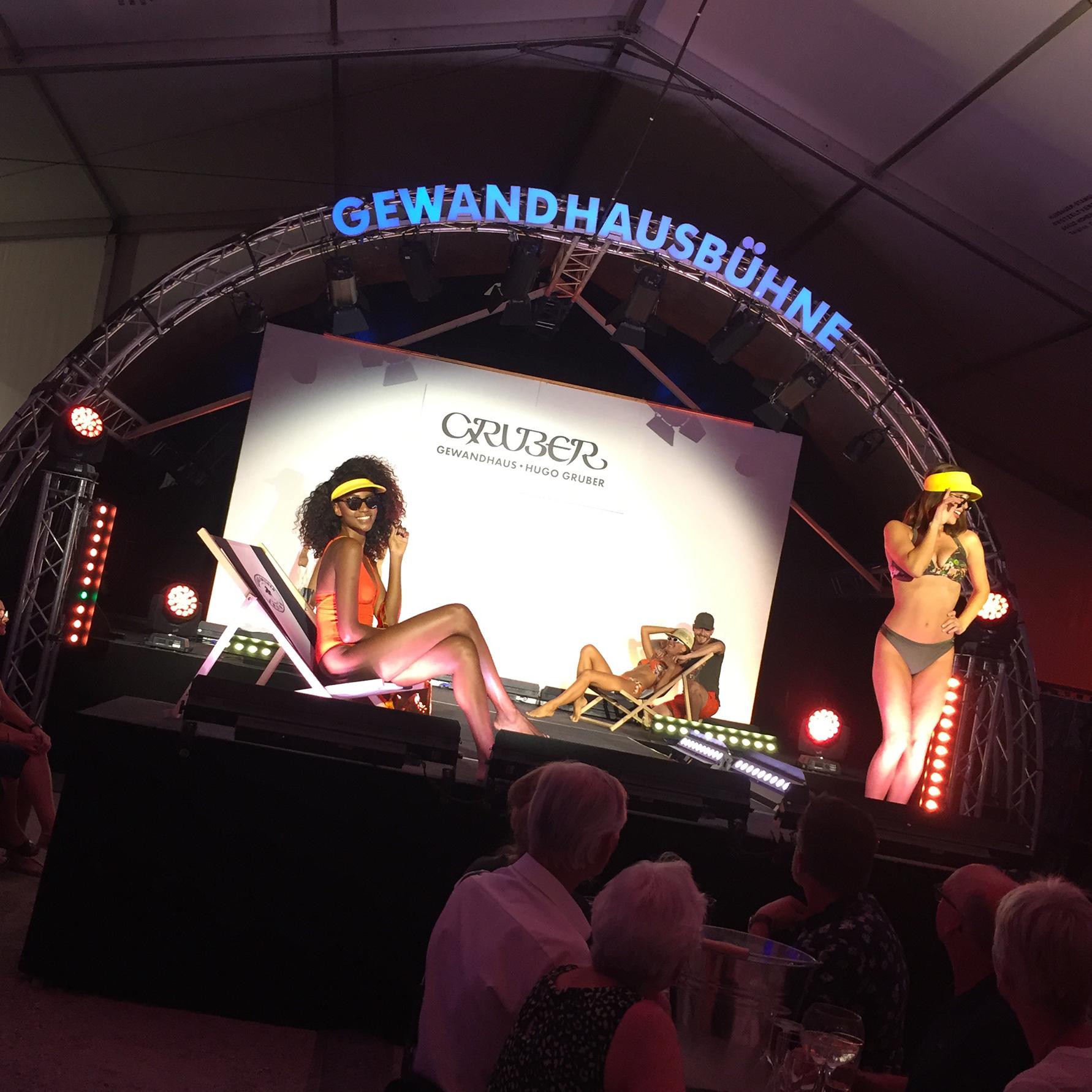 Ze(le)bration der Mode Modenschau auf der Gewandhausbühne